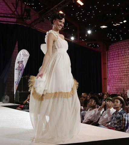 """✽ CHRYSTALIX PARIS SUR LE BLOG """"LES CONSEILS DE SCHEENA"""" ✽ A l'occasion de la récente Afro #Wedding Party, la blogueuse #Scheena nous livre ses coups de cœurs dont une robe de mariée signée Chrystalix Paris dévoilée lors du défilé."""