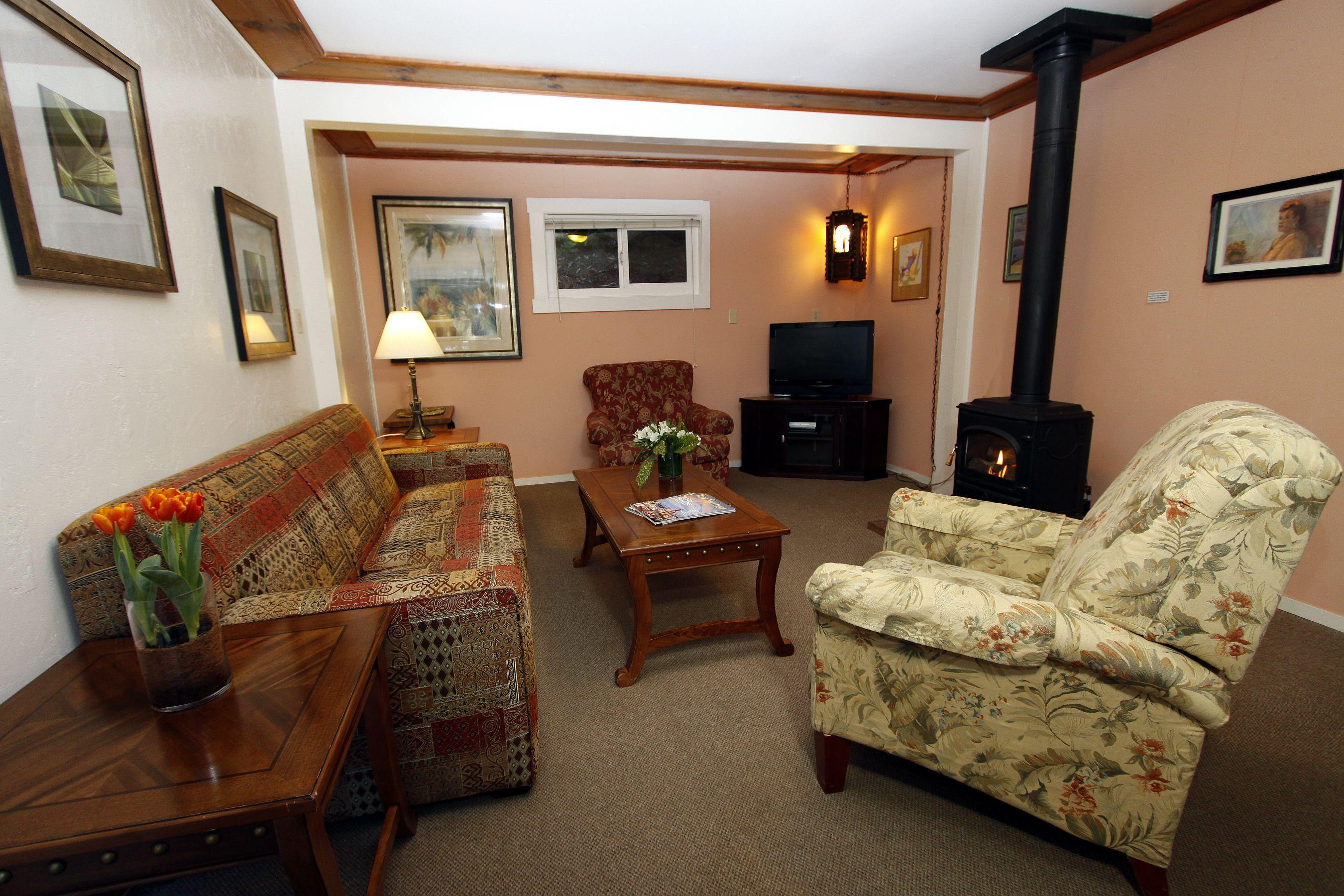 cottage 14 living room Home decor, Room, Cottage