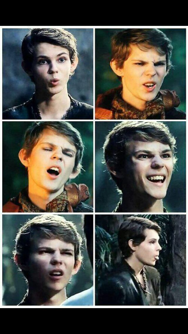 This is what happens when you pause Robbie Kay when he's in the middle of telling someone off