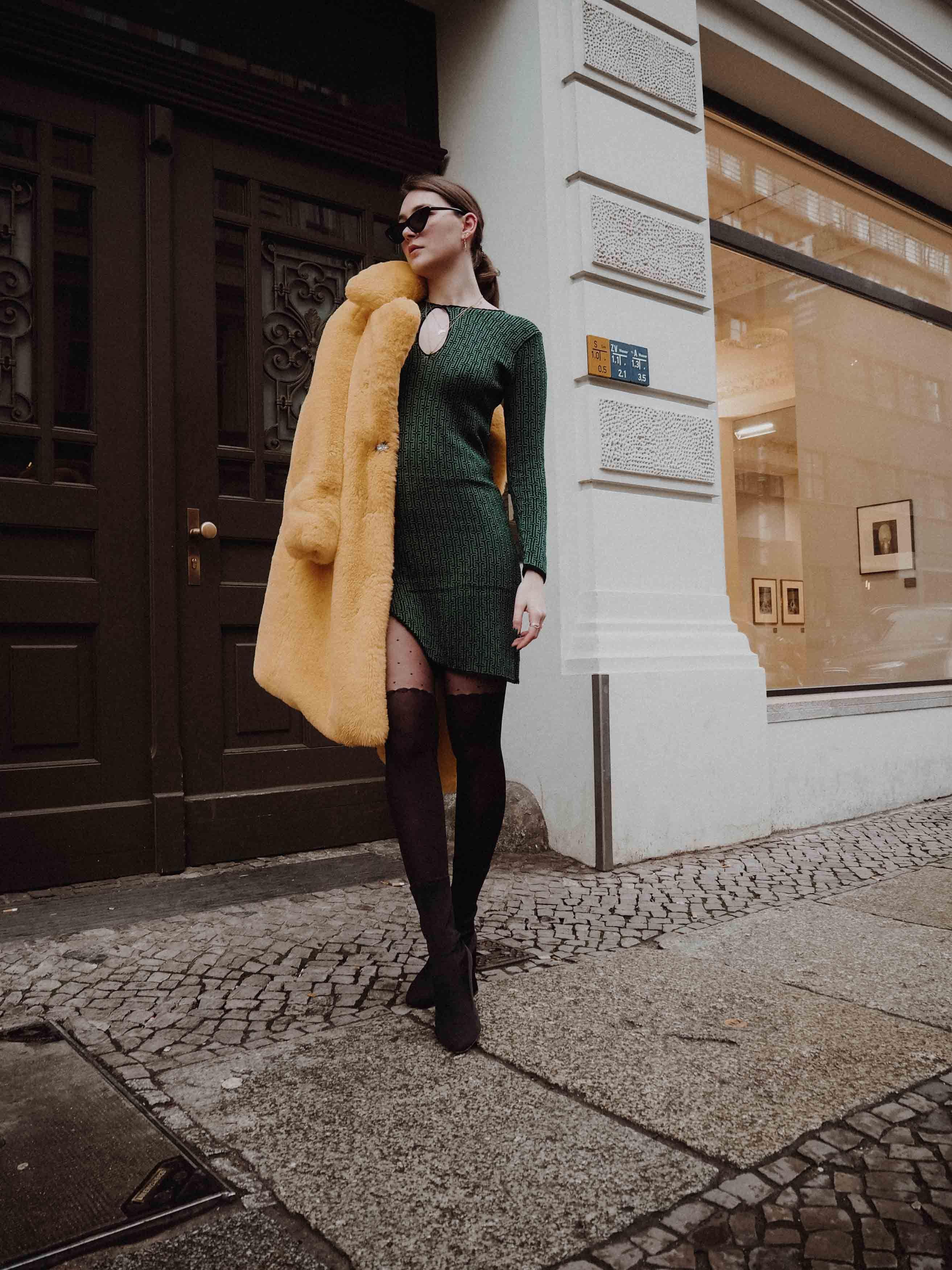 Sustainable Fashion: 70s Dress and Fake Fur Coat | Mantel ...