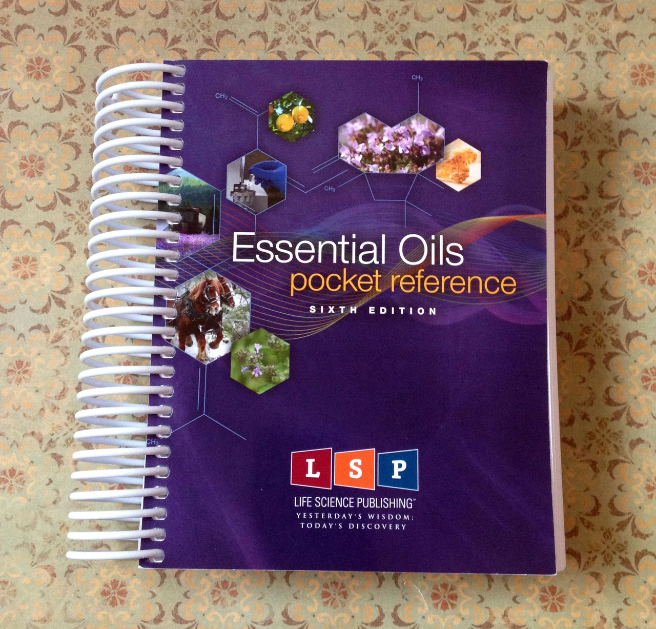 Daisy Giggles   Essential Oils Pocket Reference (2014, 6th Edition, Spiral)  EOPR By Life Science Publishing, ... Design Ideas