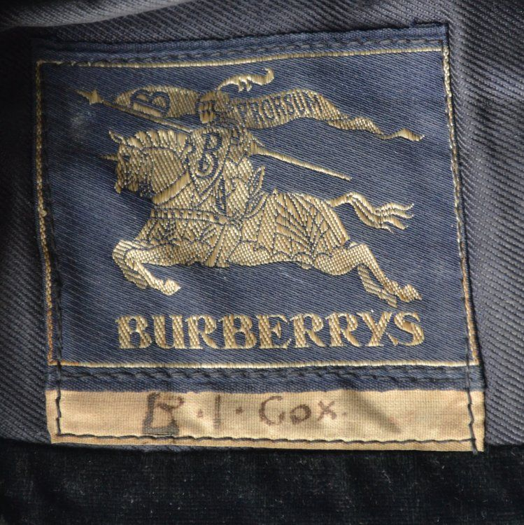 Vintage Fashion Guild Label Resource Burberrys Vintage Guide Outdoor Outfit Vintage Fashion