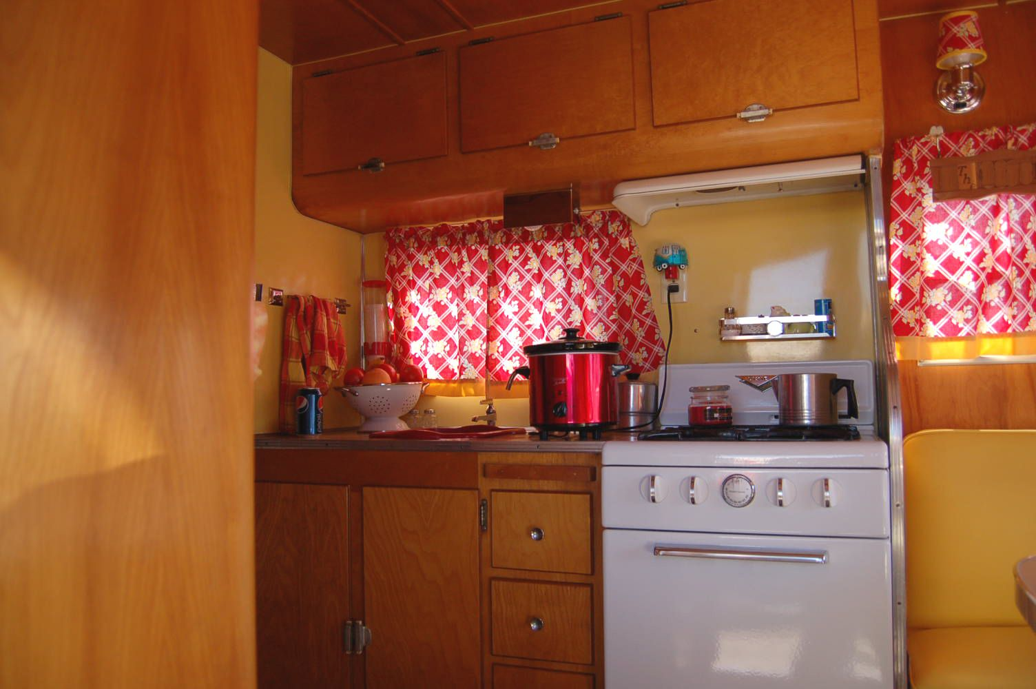 Bilderesultat For Camper Trailer Kitchen Cabinets