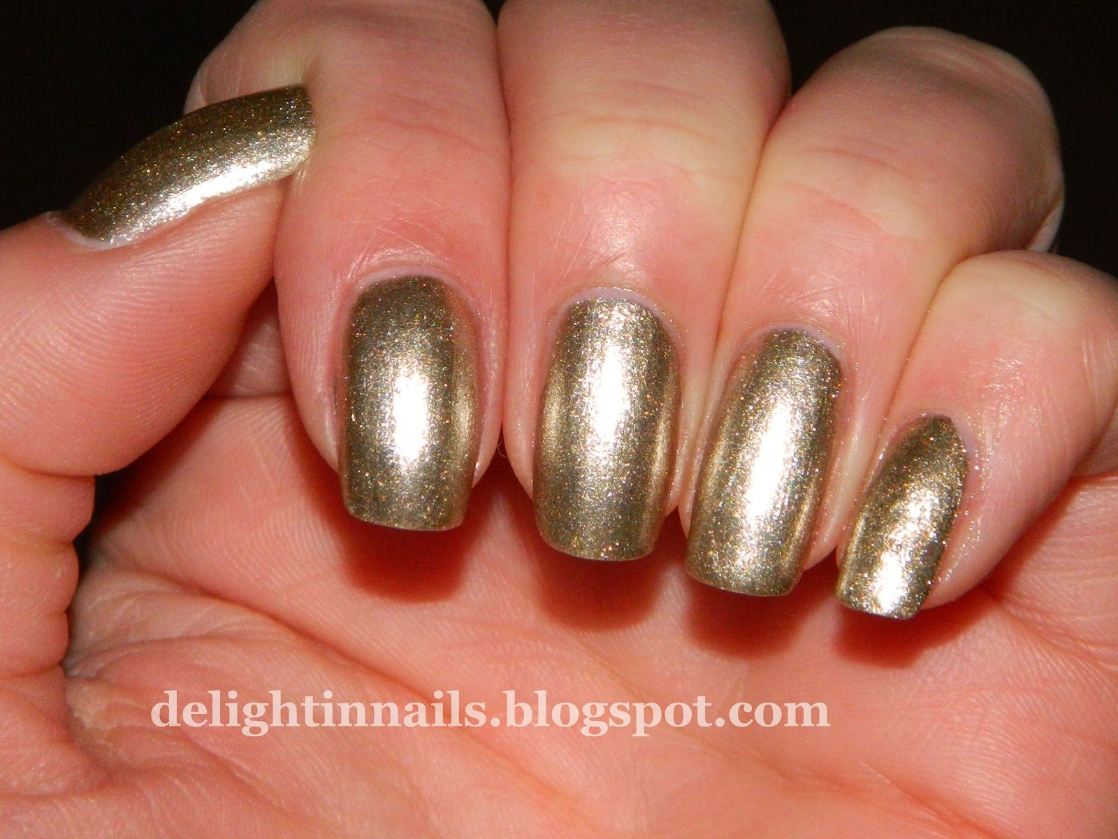 Delight in Nails: 10 Day Holiday Nail Art Challenge: Day 5 - Holiday Song - Julep Sienna
