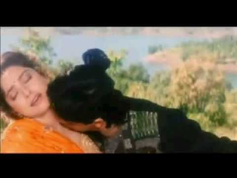 Juhi chawla navel kiss