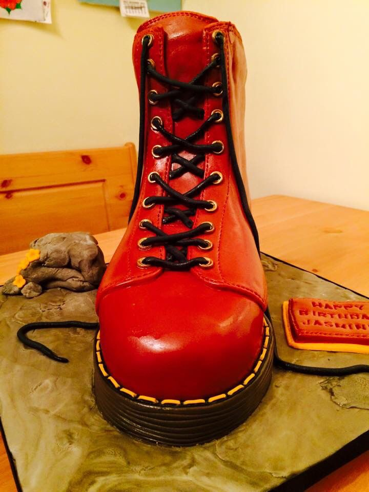 Dr Martens Boot Cake #bootcake #drmartens | Doc martins boots ...