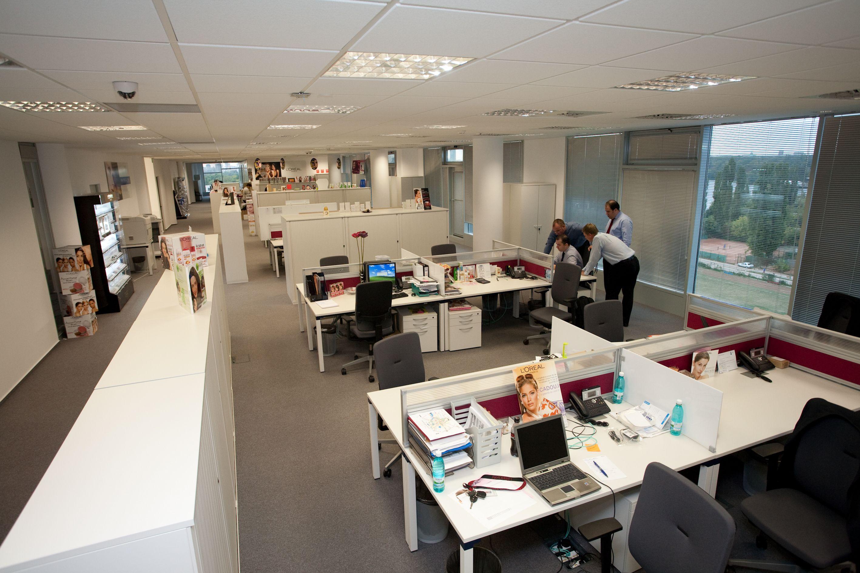 L 39 oreal romania open space office interior design - Interior design office space ...
