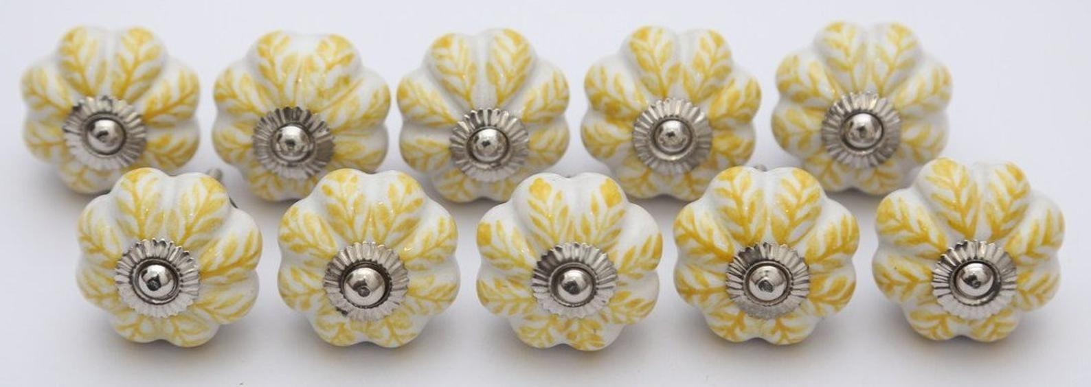 White Flower Design Hand Painted Ceramic Door Knobs Kitchen Cabinet Drawer Pulls