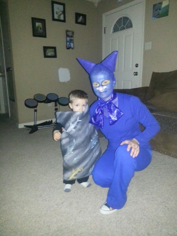 Pete the cat and sharknado costume