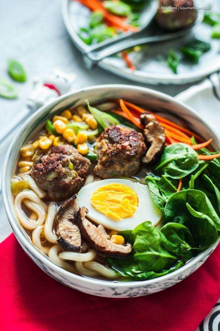 Schnelle Ramen mit Fleischbällchen. Eine glücklich machende (Fast-) Instant- Suppe für den Feierabend.   GourmetGuerilla´s Foxy Food