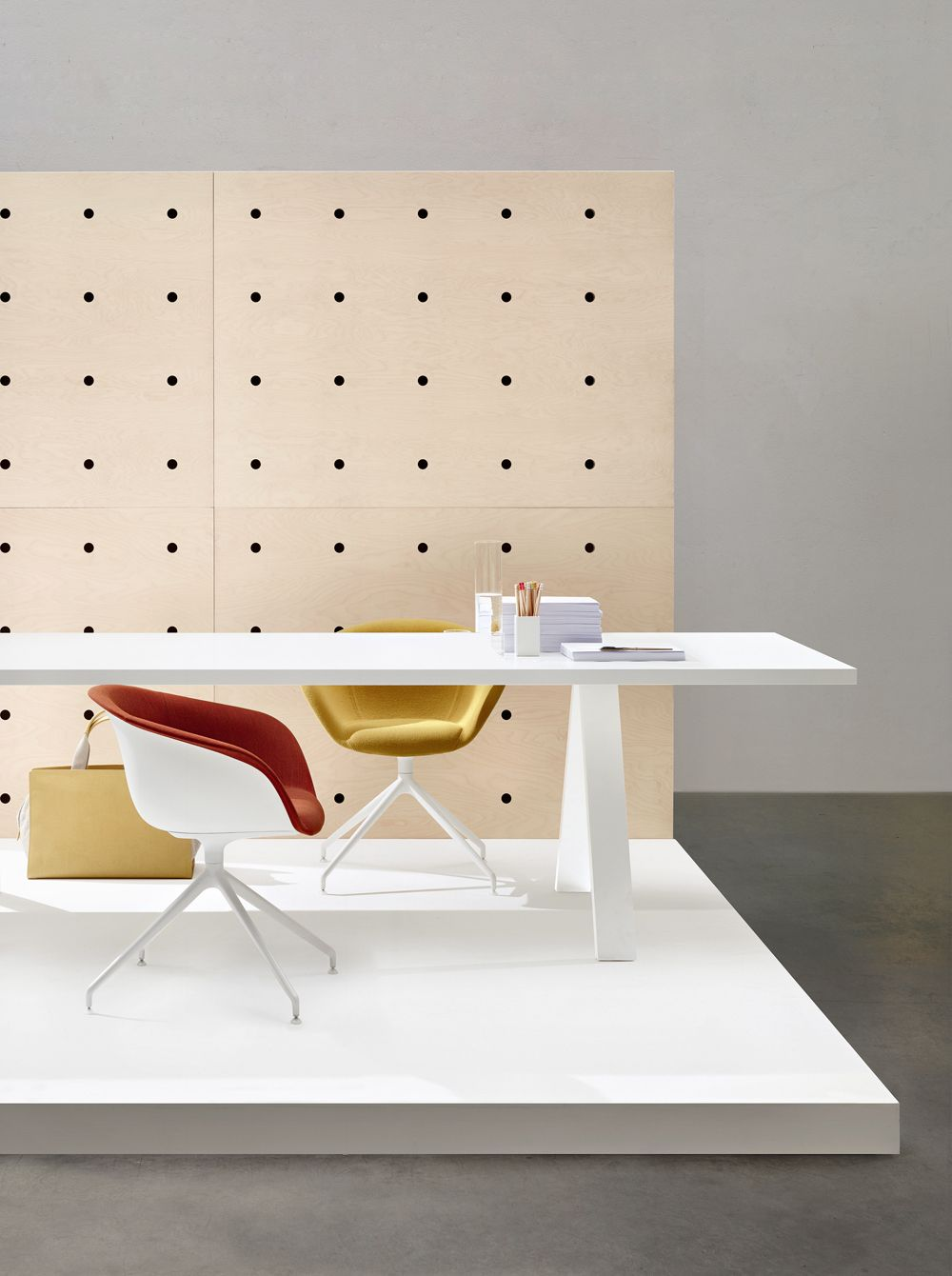 LAUNCH OF ARPER'S NEW OFFICE COLLECTION by ArperArchiExpo