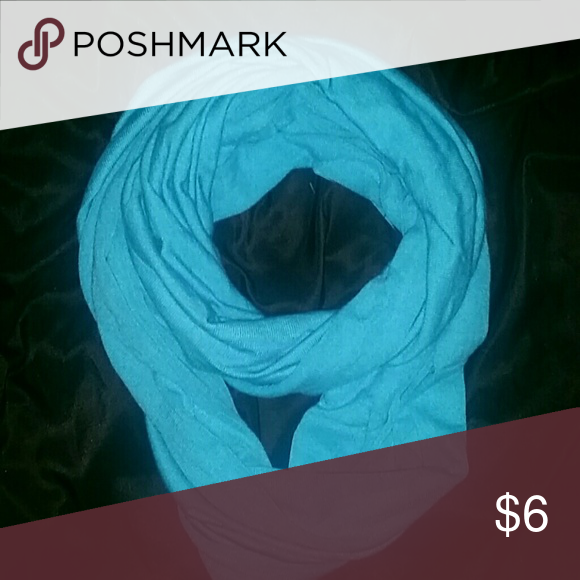 ⚠MOVING SALE⚠INFINITY SCARF BEAUTIFUL, BLUE INFINITY SCARF!! GENTLY USED, LIGHTWEIGHT SCARF THE ROYAL STANDARD Accessories Scarves & Wraps