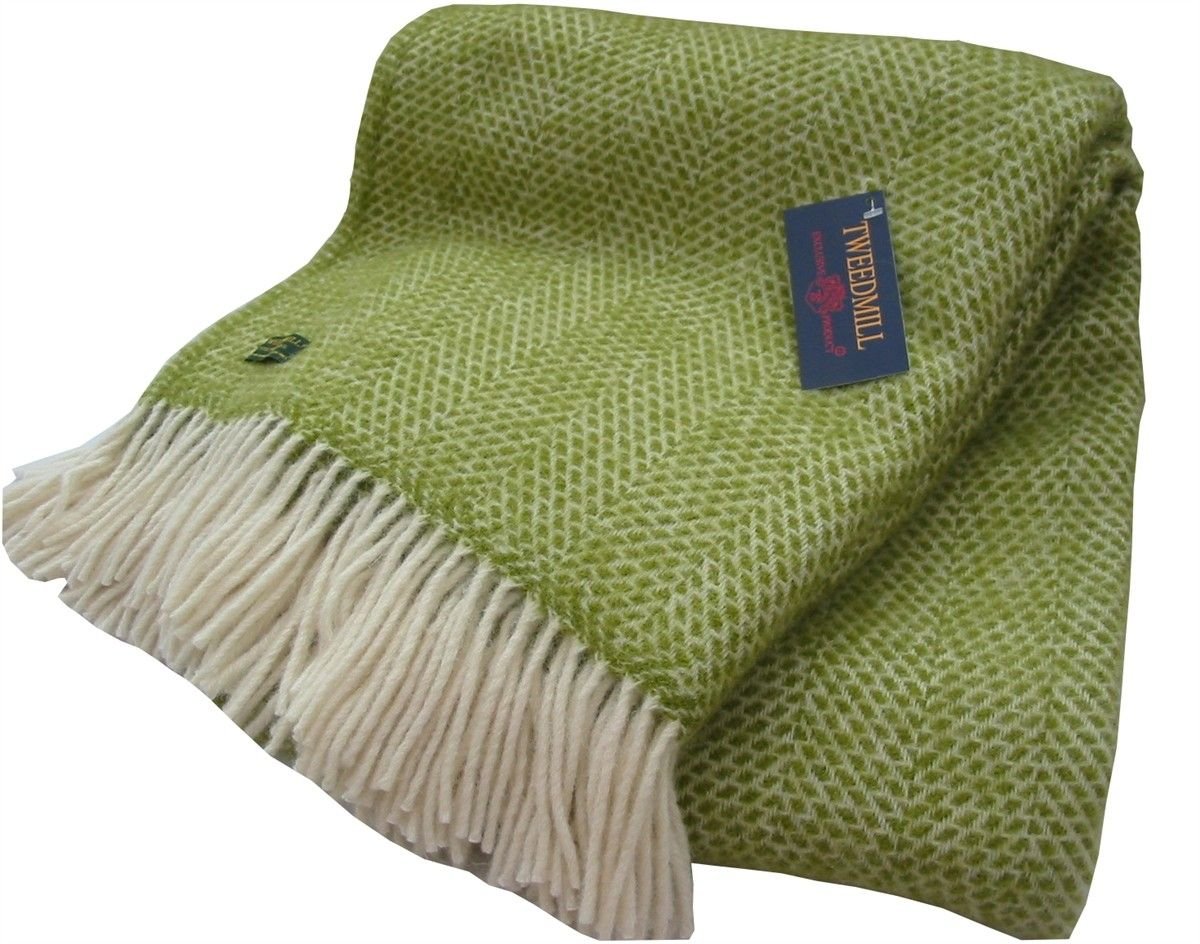 British Made Material Pure New Wool Size 150 X 183cm Colour Le Green
