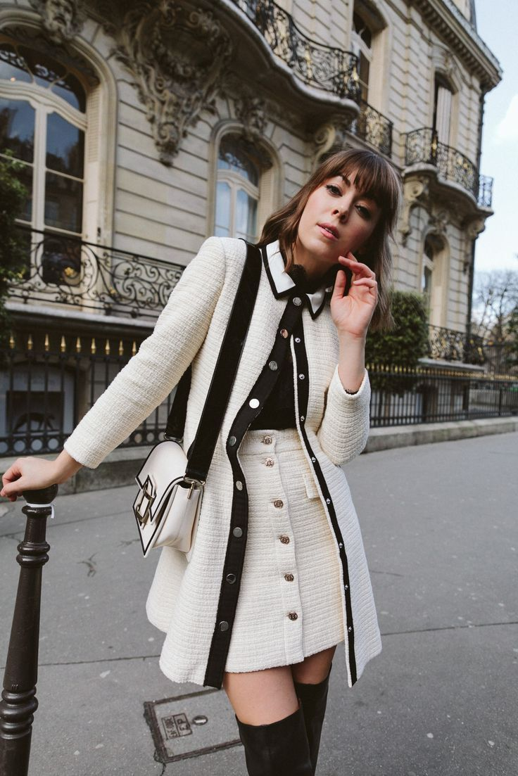 The black and white color palette is so dreamy! Love this feminine winter outfit… – #Black #color #dreamy #Feminine #love
