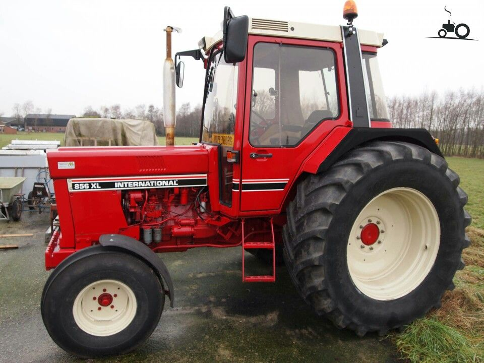 Inter 856 Xl With Images International Harvester Tractors Tractors Classic Tractor