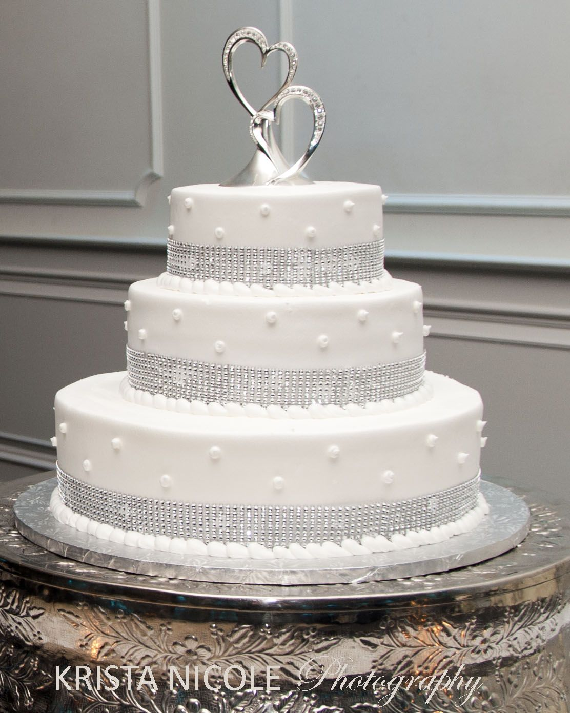 Winter white and silver wedding cake the gramercy at lakeside manor