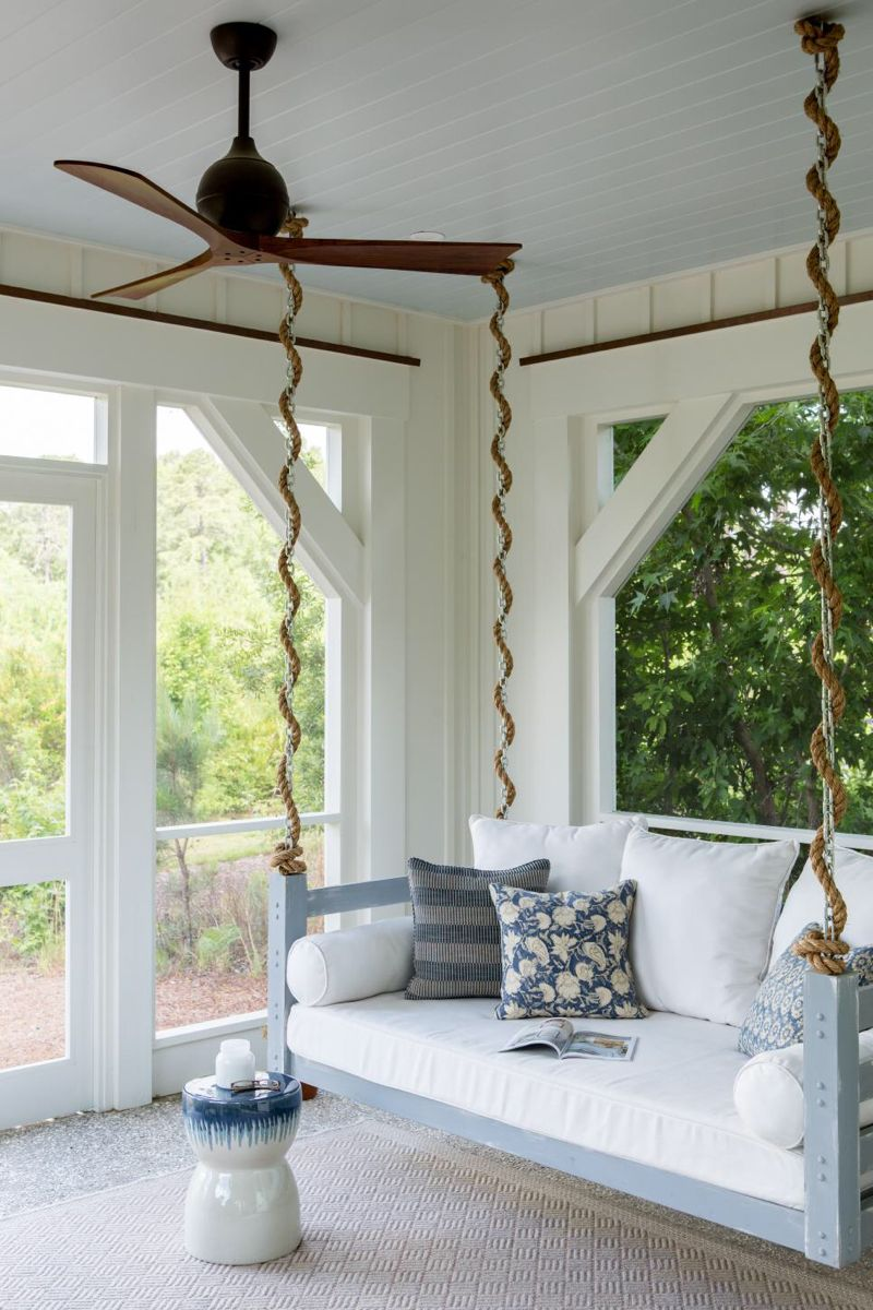 35 Screened Porches We Wanna Chill On