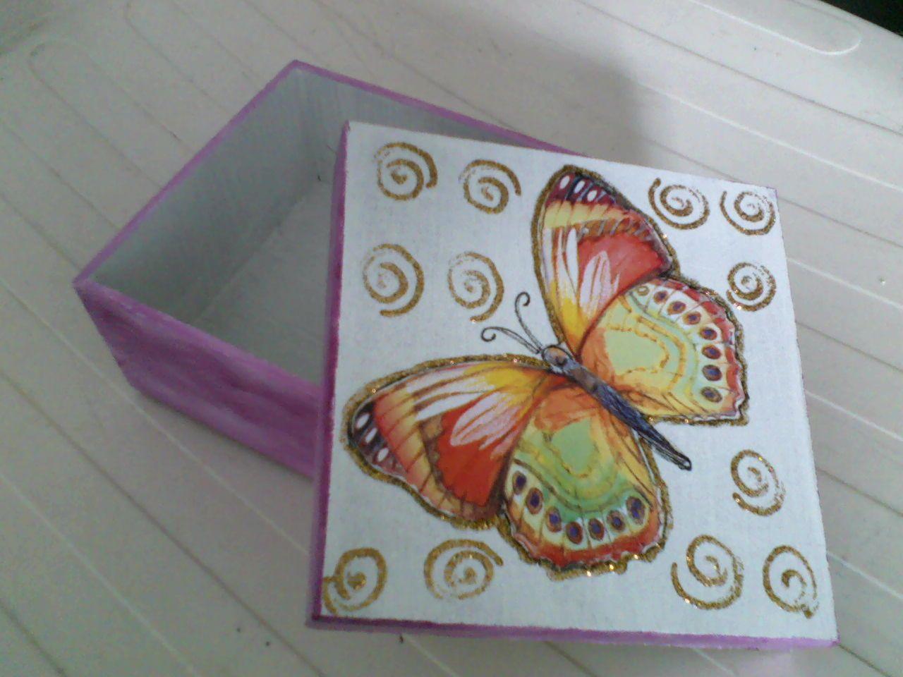 caixa de MDF com borboletas
