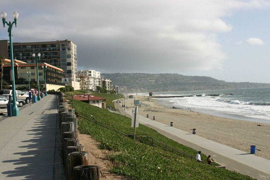 Sep 08, · Just a fun stroll at Redondo Beach California Follow me on Facebook: 0549sahibi.tk Follow me on Google+ 0549sahibi.tk