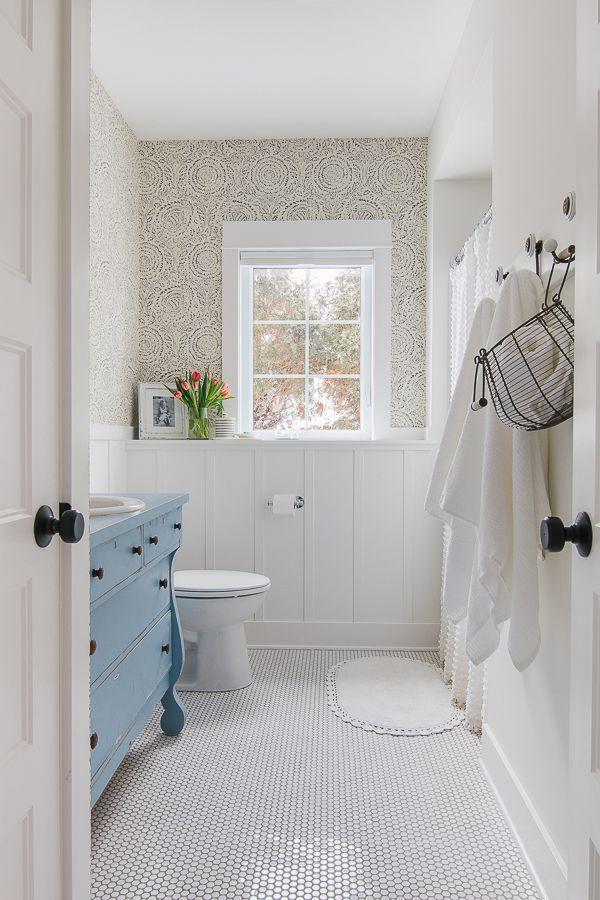22 Floral Bathroom Designs Decorating Ideas: Blue And White Bathroom Design