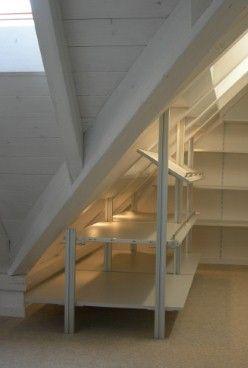 Bildergebnis für regalbrett an einer dachschrägen anbringen | Dachgeschoss Ide… – Stauraum ideen