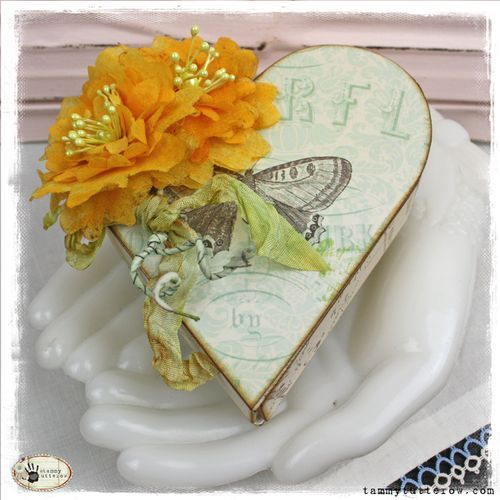 Eillen Hull Sizzix Blog Weekend: Heart Box with Crinoline Flowers