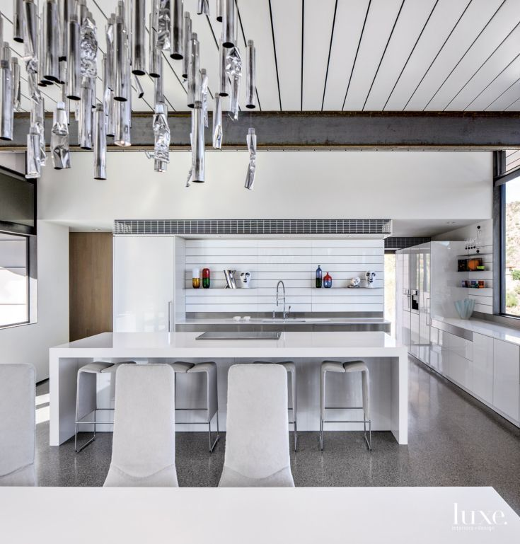 Modern Gray Exterior With Steel Beams: Modern Gray Kitchen With Exposed Steel Beams