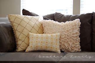 Southern Lovely: Pillow from {place mat}