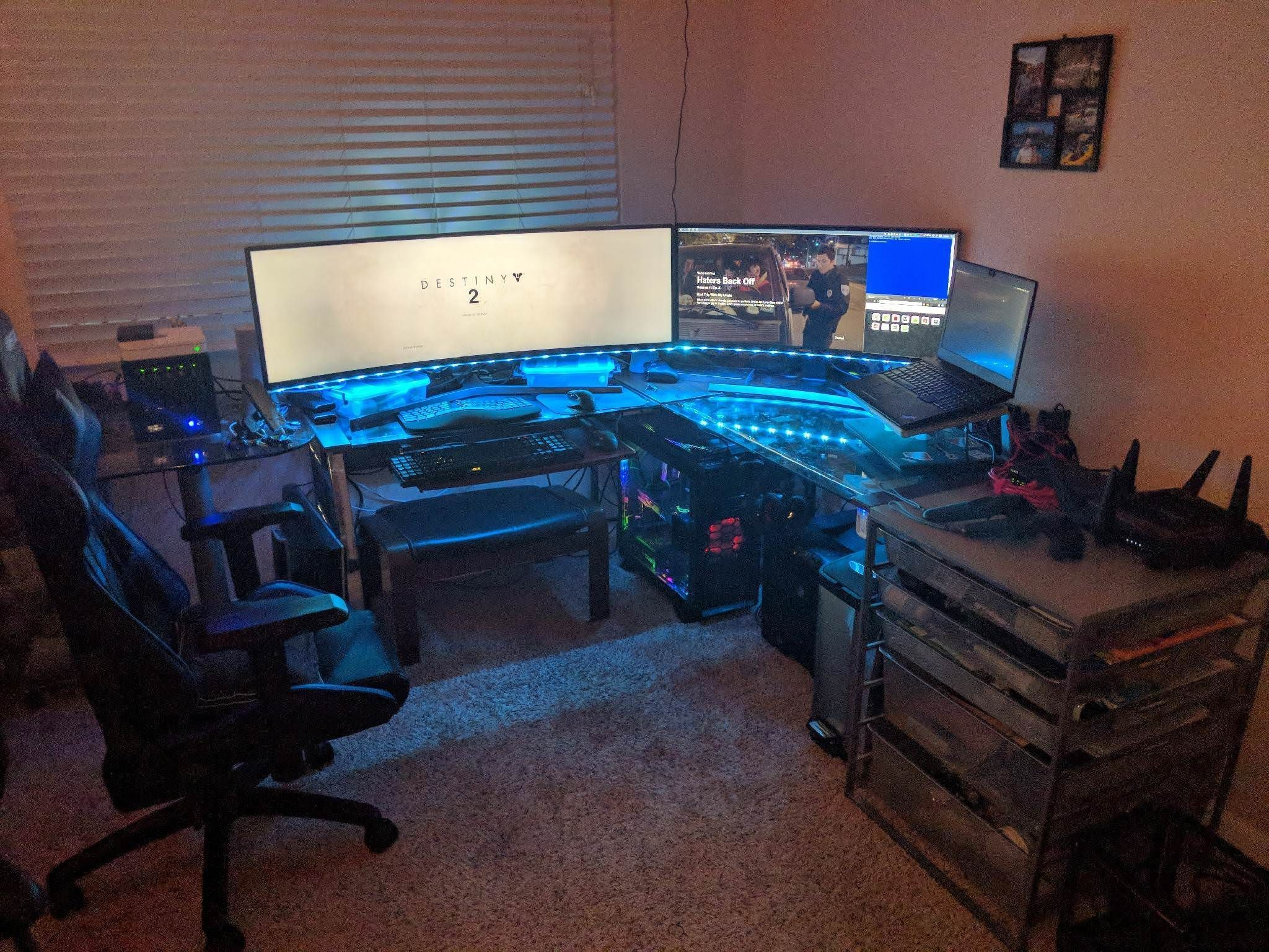 Check Out These 22 Awesome Gaming Battlestation Custom Pc Setups