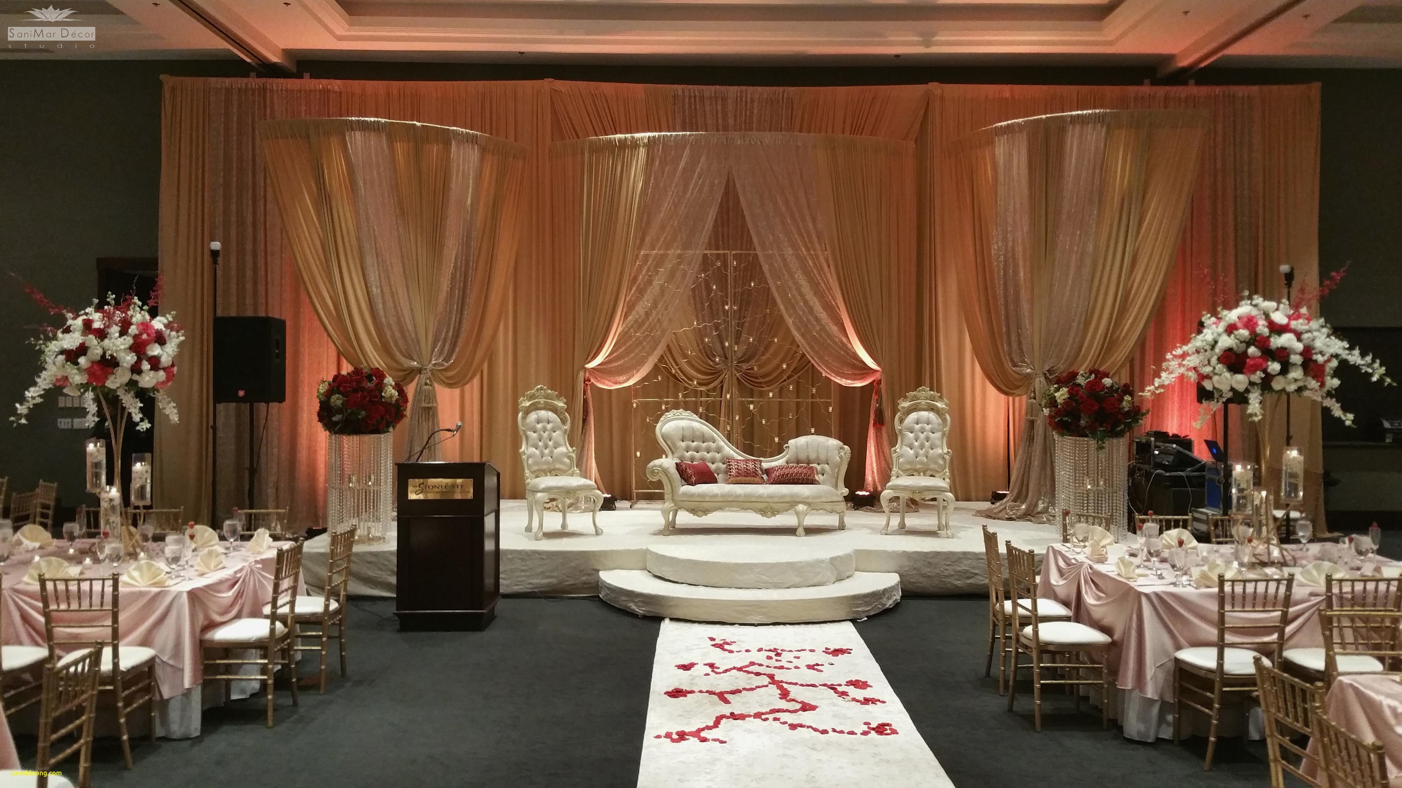 Wedding decoration ideas at home  Fall Wedding Decoration u How to Capture the Colors Of the Season