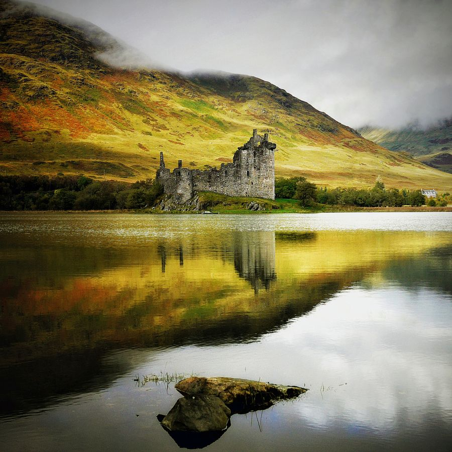 Best Romantic Hotels Scotland: Kilchurn Castle Is One Of The Most Romantic Castle Ruins