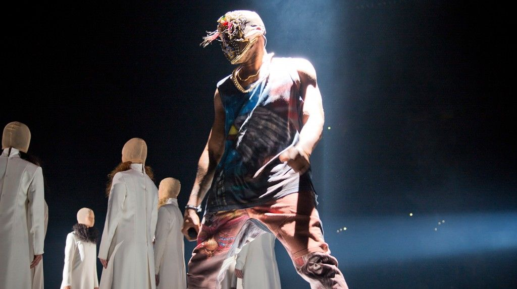 Best Mask And Outfit Of The Yeezus Tour Kanye West Forum Kanye West Yeezus Tour Kanye West Yeezus