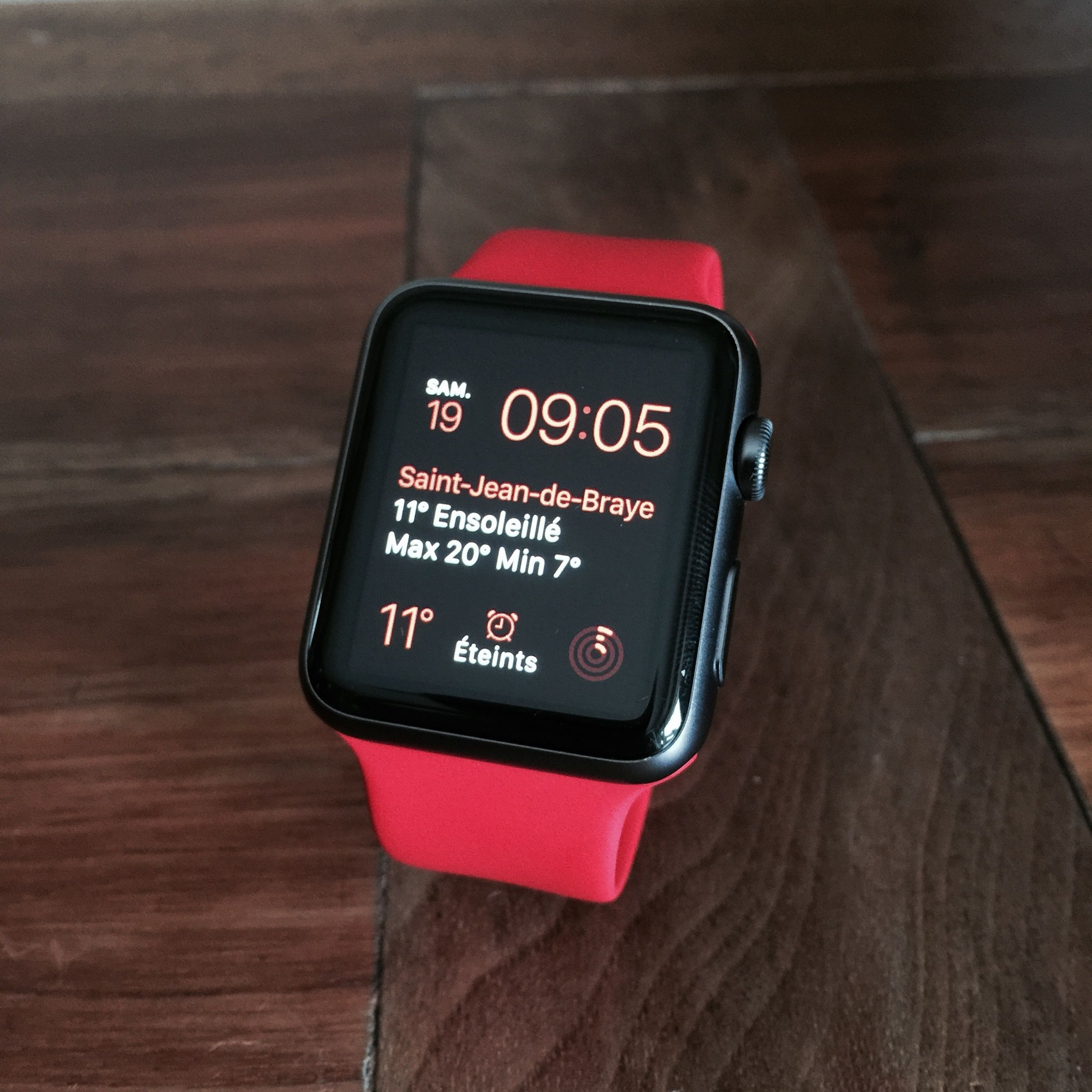 Space grey Apple Watch with red band Apple watch space