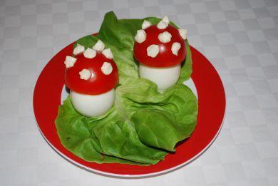 Une recette de cuisine cr ative les oeufs anmanites tue mouche ce dr le de champigon chapeaut - Recette de cuisine drole ...