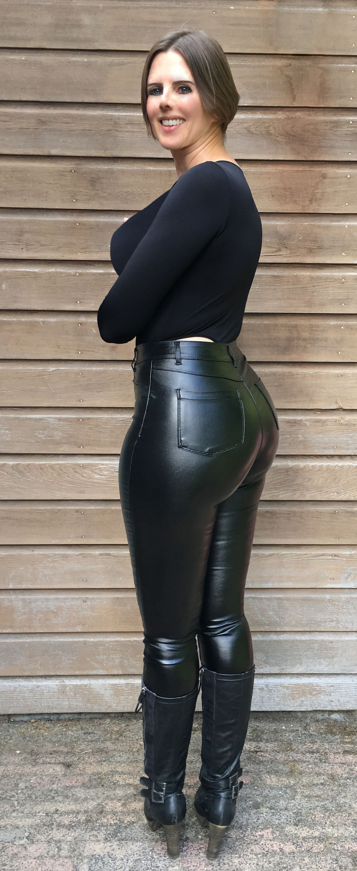 Sexy Frauen In Leder
