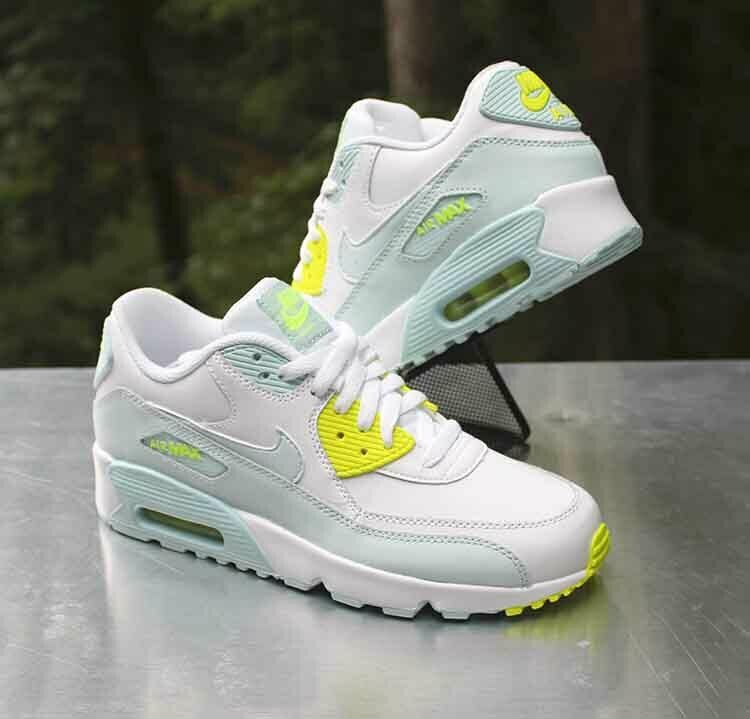 Nike Air Max 90 LTR GS Size 7Y White