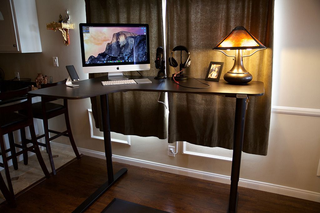 Ikea Bekant Sit Stand Desk A Quick Review Ikea Bekant Ikea Stand Sit Stand Desk