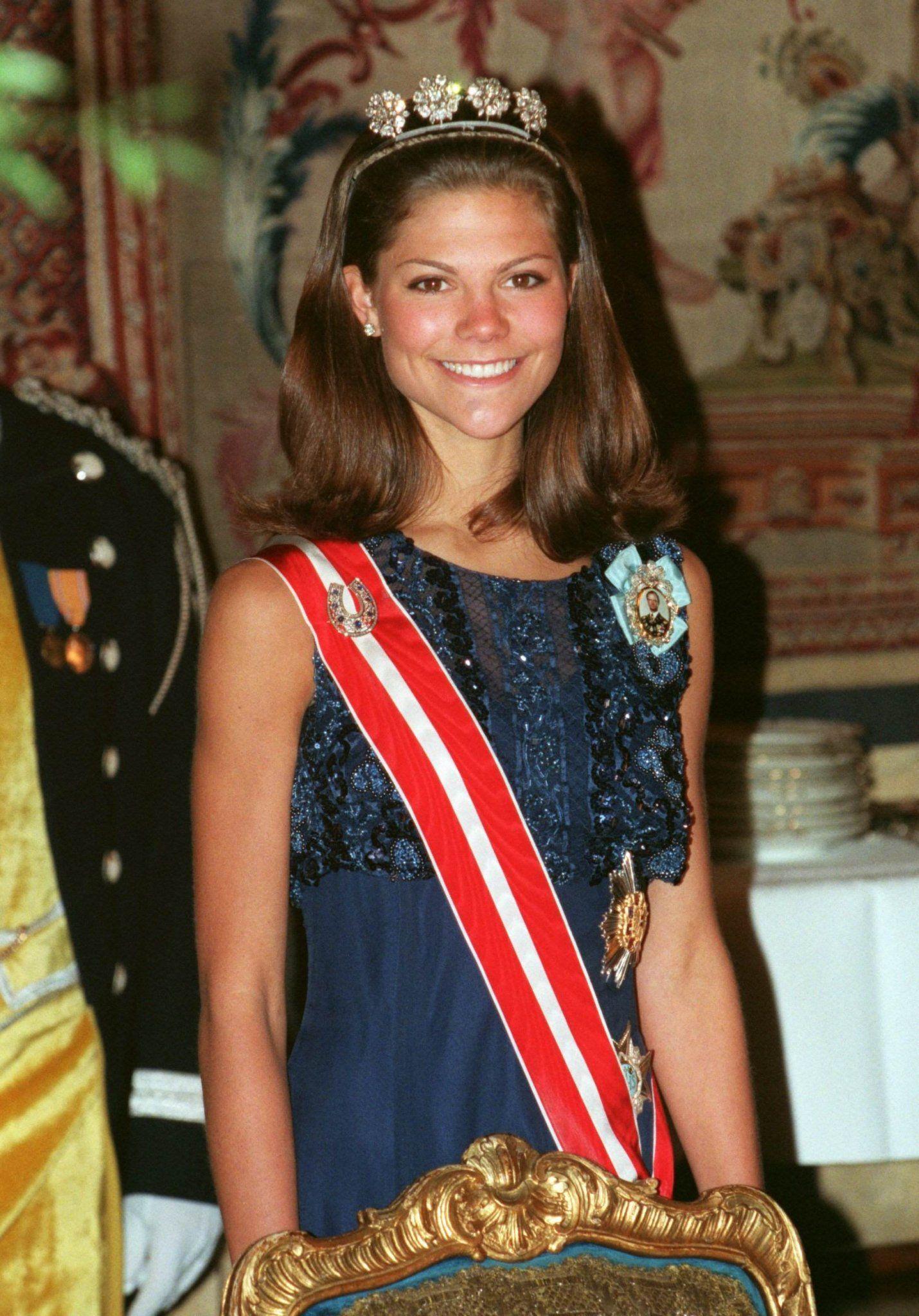 "Swedish Crown Braid Tutorial: SERIE SOUVENIR EN PHOTO "" PRINCESSE VICTORIA DE SUÈDE"