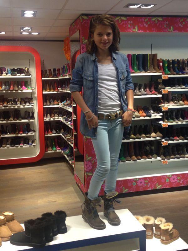 Ons gelegenheids-topmodel showt ons in de winkel even haar nieuwe Shoesme boots!  http://www.mooieschoenen.nl/shoesme-kinderschoenen-pl3w085-e-luzon-boots-p463901
