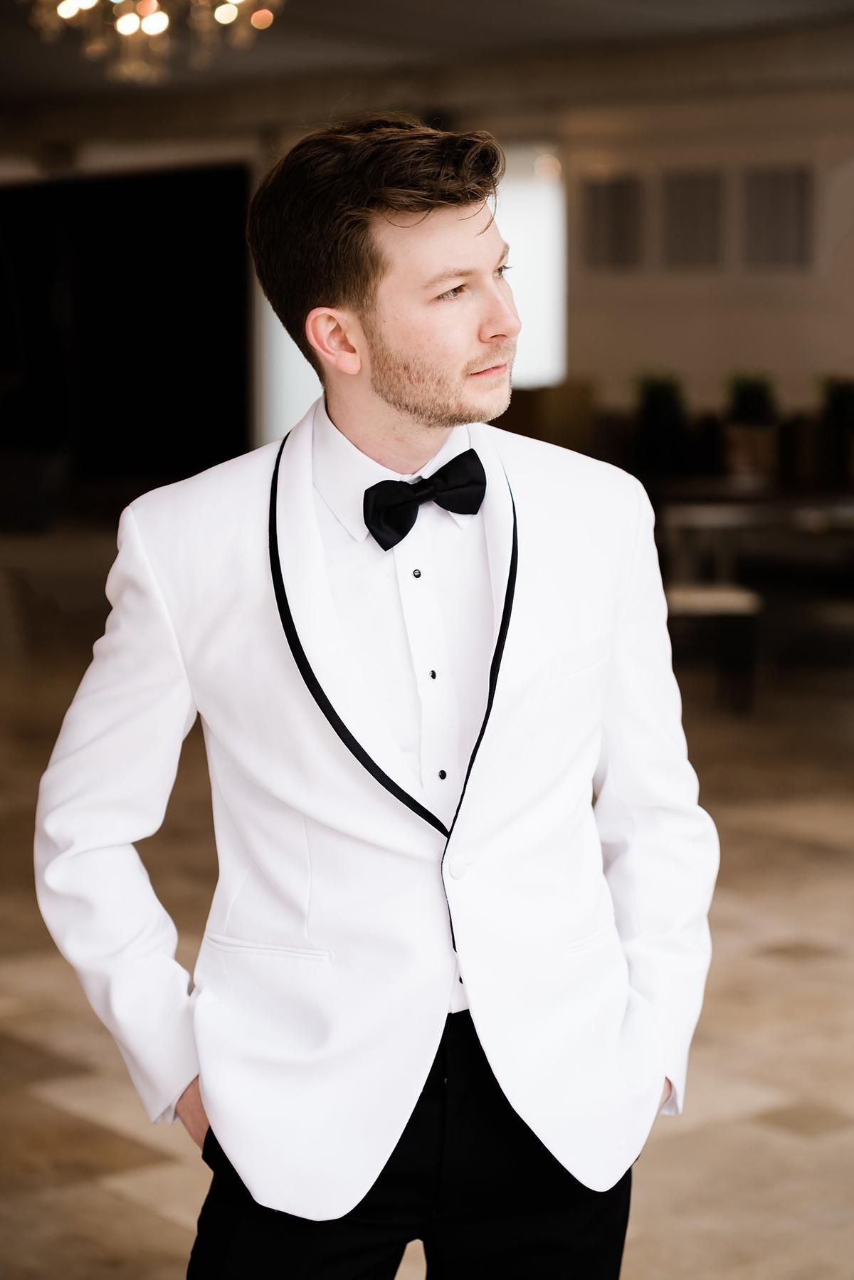 Styled Shoot Spring Elegance Tuxedo wedding, Tea