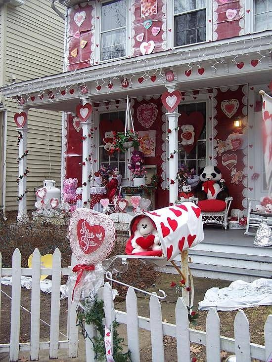 Valentines Day Houses Unusual Houses Valentines Outdoor Decorations Valentine Decorations Valentines Day Decorations
