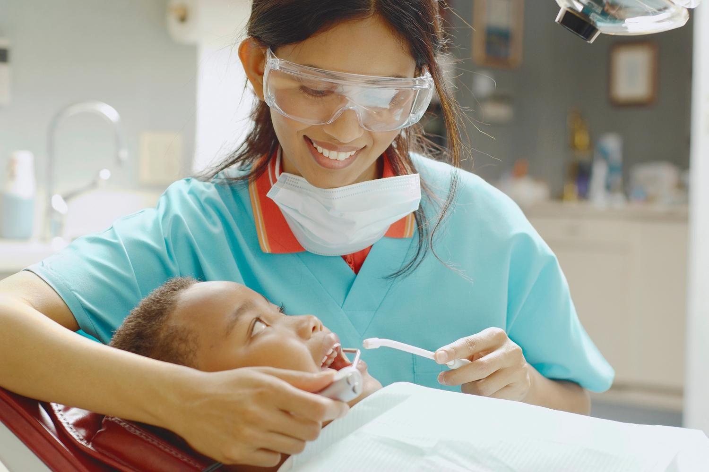 7 Options for Affordable Dental Care Dental hygienist