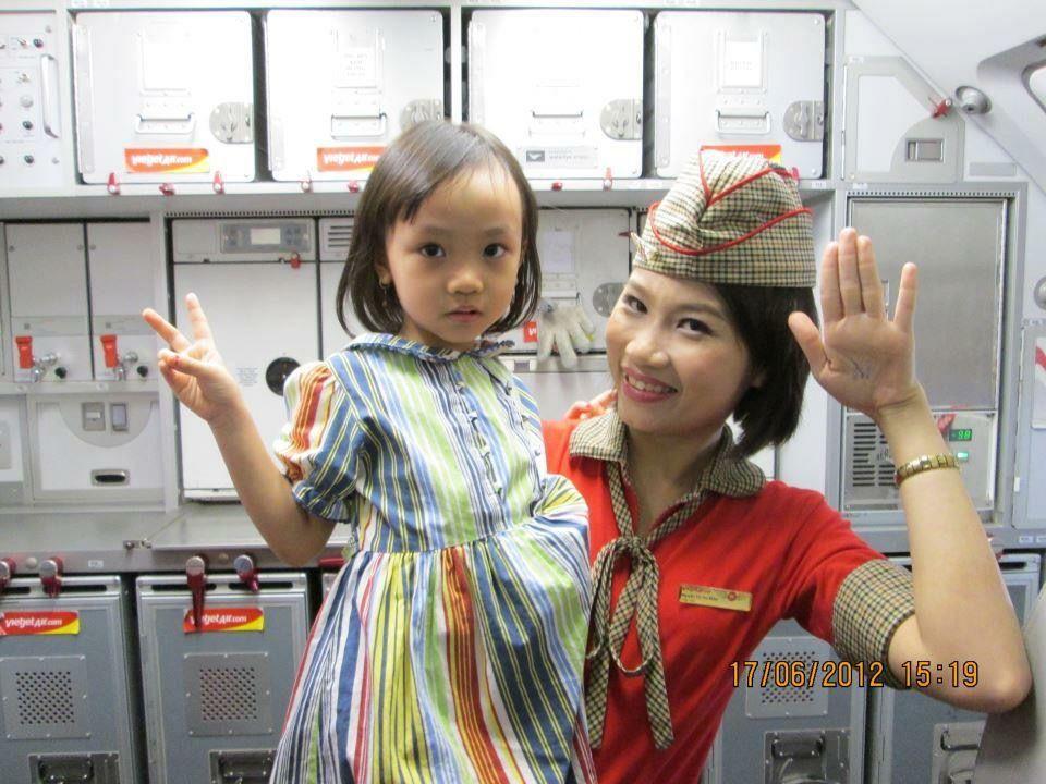 【Vietnam】VietJet Air cabin crew / ベトジェットエア 客室乗務員【ベトナム】 | ベトジェットエア, ベトナム, 客室 ...