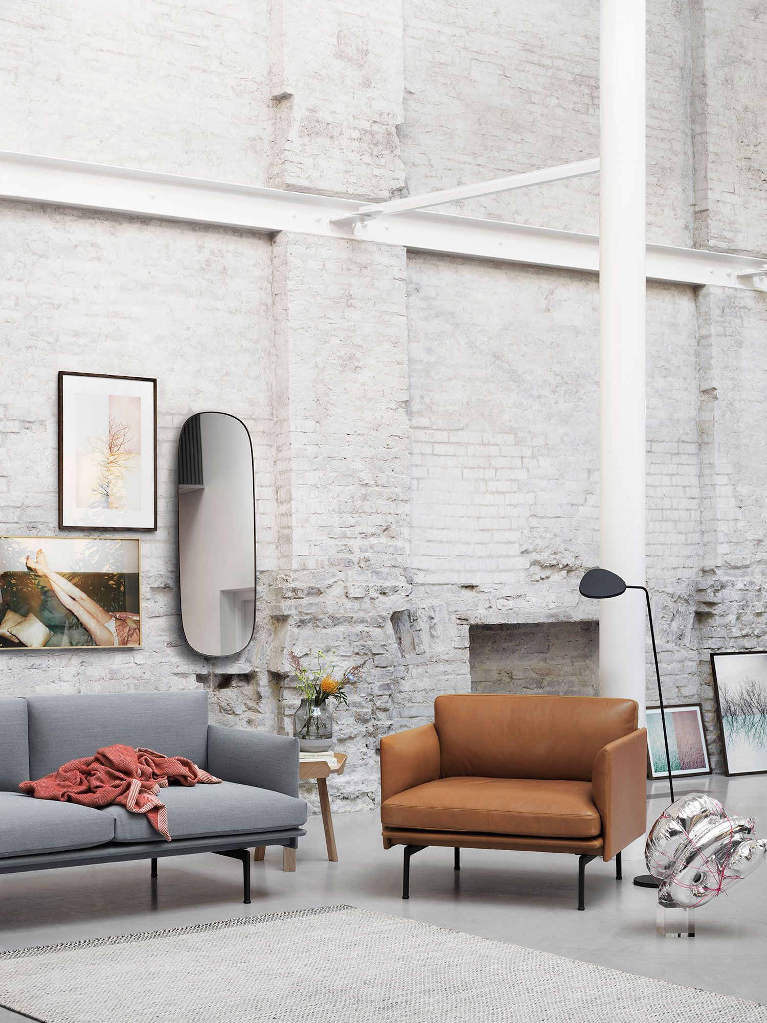 Simple Scandinavian Chair Inspiration From Muuto The Outline Series Adds New Perspectives To The Classic Scandinavian Design Sofas Of The 1960 S Marry Filigran