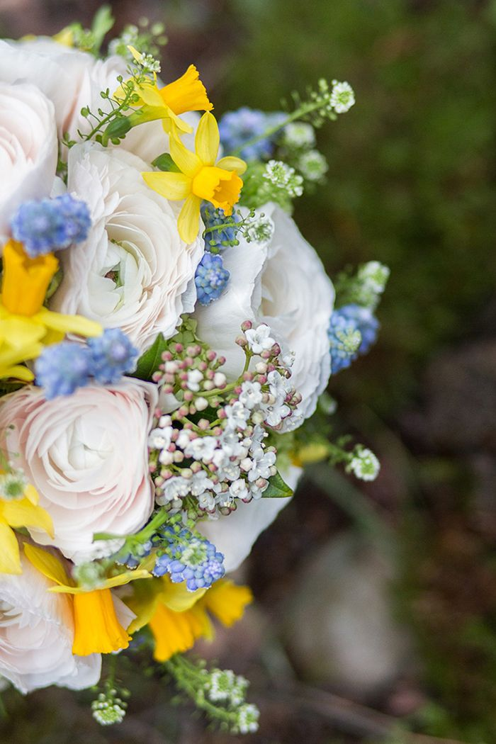 Brautstrauss Hannover Mit Hellen Ranunkeln Hochzeitsblumen Fruhling
