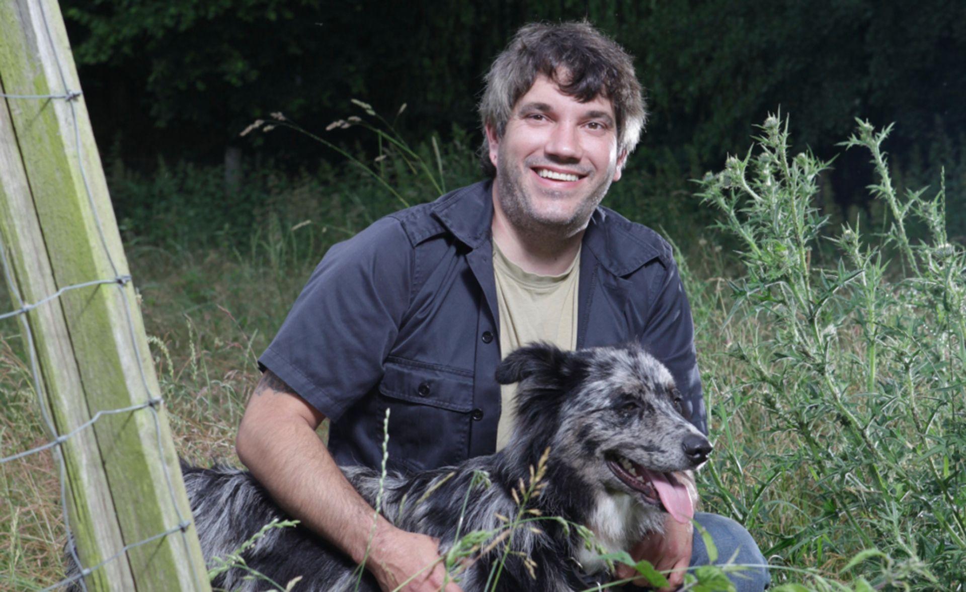 Dogs Sprach Mit Dem Trainer Normen Mrozinski Uber Hunde Die Mit Schlechten Karten Ins Leben Starteten Aggressive Hunde Welpen Hundetrainer