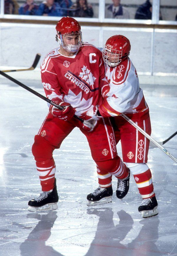 Playing In His Second Of Three World Junior Hockey Championships In 1991 Eric Lindros Finished Second In Scoring World Junior Hockey Hockey Team Canada Hockey