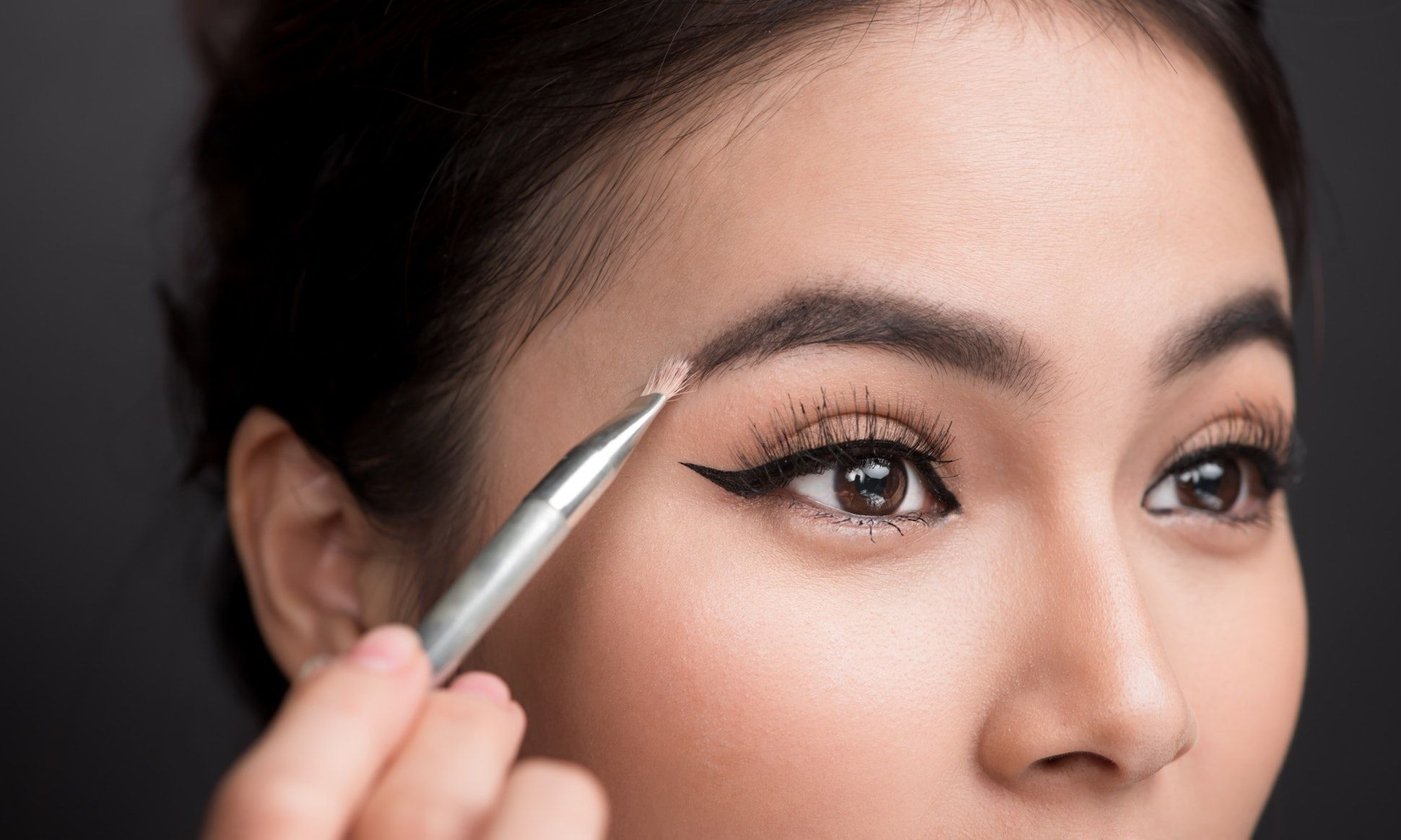 8 Hacks To Grow Your Eyebrows Thicker Sparse Eyebrows Best