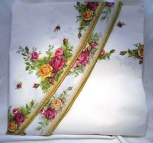 Royal Albert Old Country Roses Fabric Oval Tablecloth Country