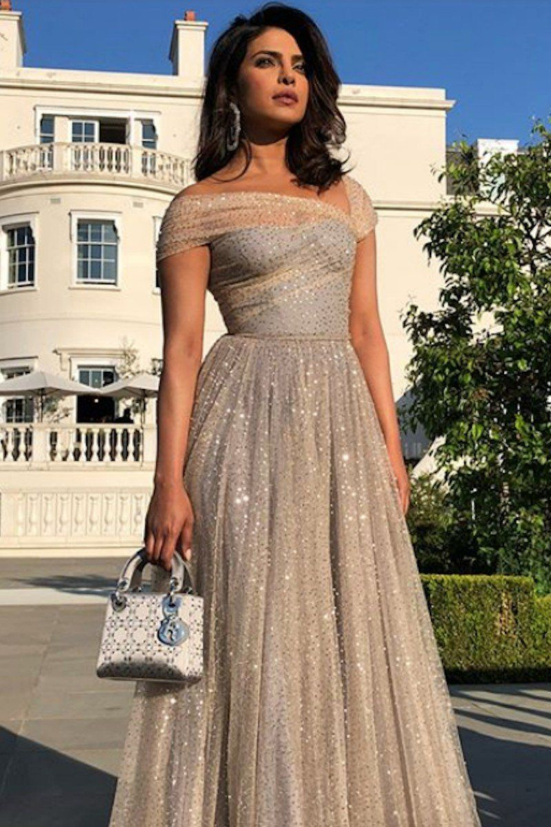 Roll Out The Red Carpet Cause The Royal Wedding Guests Got Dressed For The Party Wedding Party Dress Guest Wedding Guest Outfit Formal Formal Dresses For Weddings [ 1199 x 800 Pixel ]